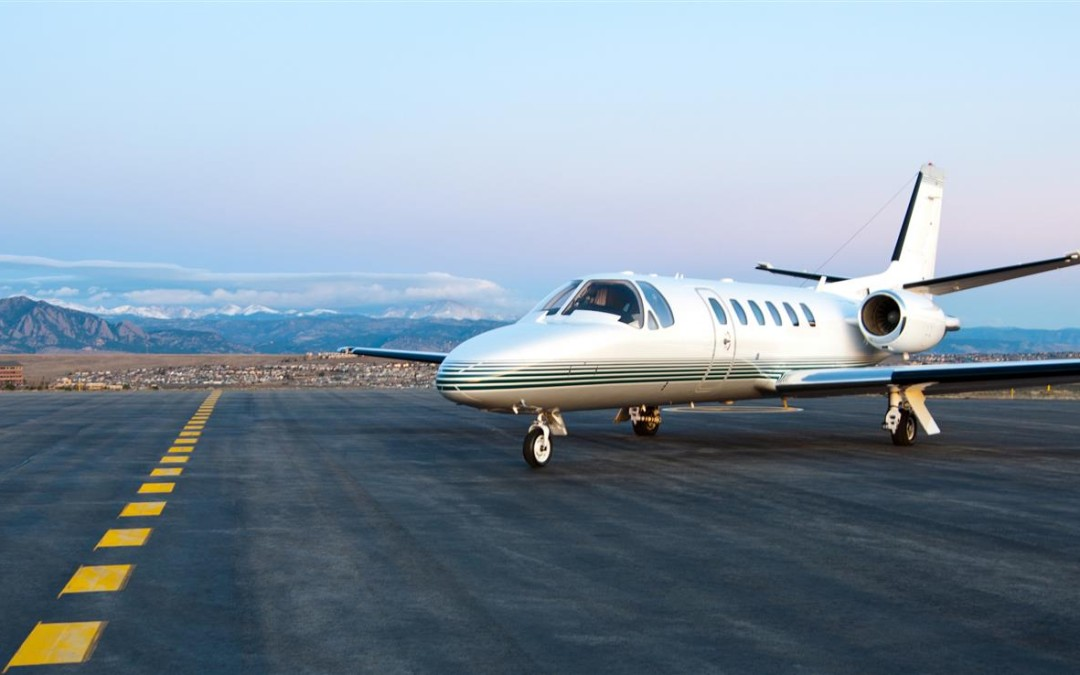 Flight Costs: Comparing Private Plane and Jet Charter Services