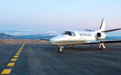 Comparing Private Plane and Jet Charter Services