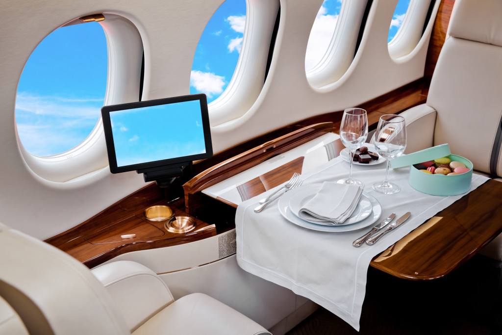 private aircraft charter benefits