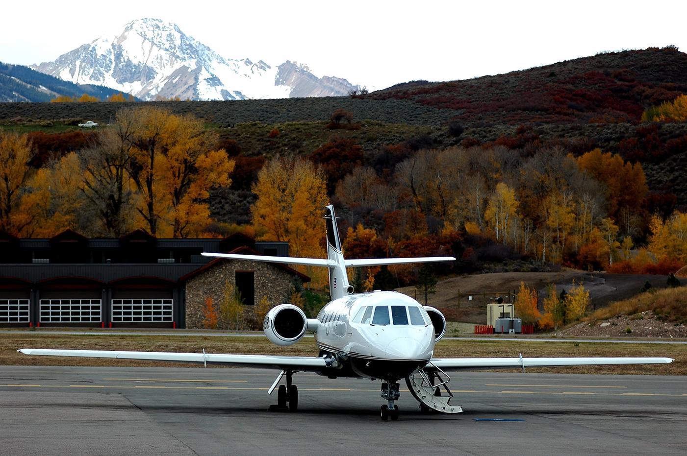 aspen charter jet