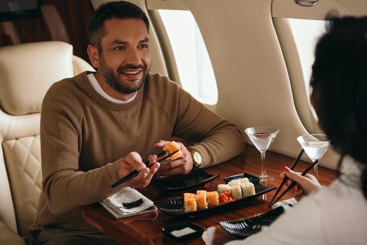 how does private jet charter work